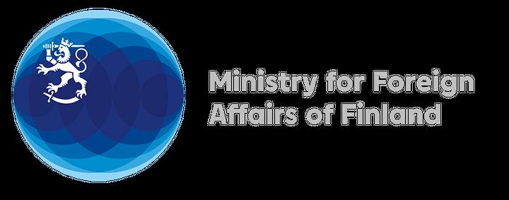 Ֆինլանդիայի արտաքին գործերի նախարարության լոգոն է, որի կենտրոնում կապույտ շրջանի վերին ձախ հատվածում պատկերված է թուրը ձեռքին պահած սպիտակ առյուծ։